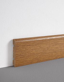 Plinthe, placage bois, décor chêne foncé, h.8 x L.220 cm