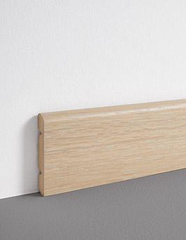 Plinthe, placage bois, décor cérusé argenté, h.8 x L.220 cm