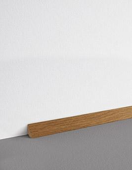 Contreplinthe, placage, décor chêne blond, h.1.7 x L.220 cm